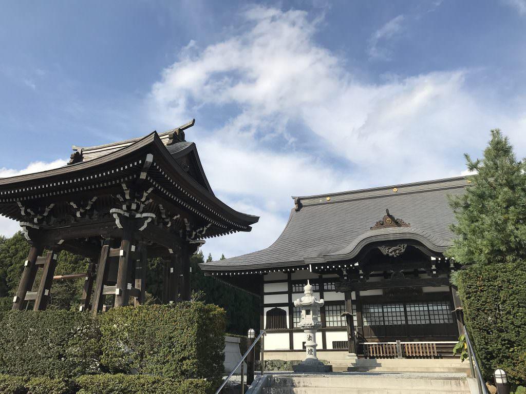 サービシンクが「独参」を依頼している和尚様のお寺、青森県の観音寺