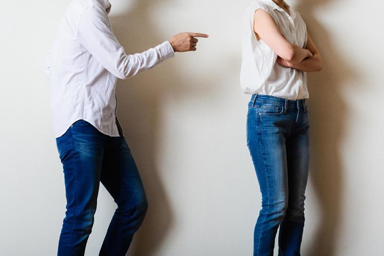 喧嘩のイメージ画像